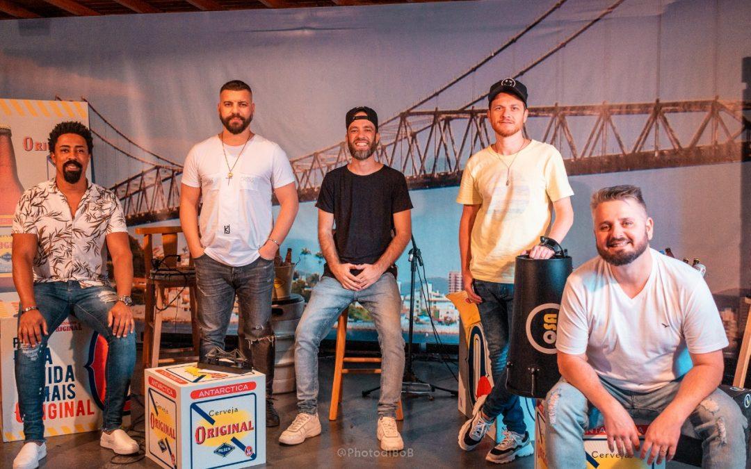 Em movimento de apoio aos sambistas, Cerveja Original traz os catarinenses do Quinteto SA para dentro de casa