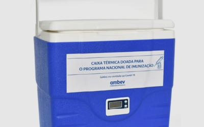 Ambev doa caixas térmicas que iriam para os ambulantes do Carnaval para armazenar e transportar vacinas